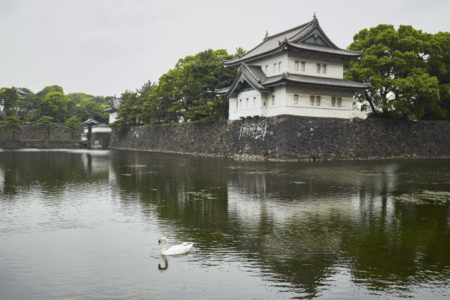 Imperial Palace in Tokyo to Enjoy Japan's Changing Seasons