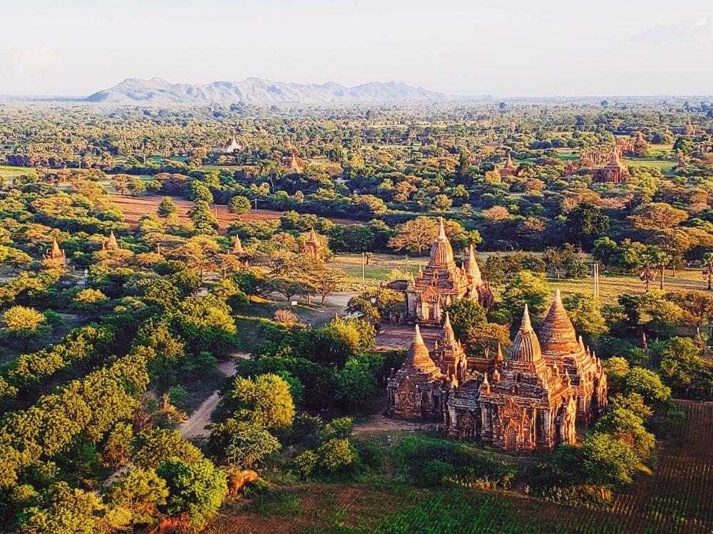 Travel Mandalay to Bagan, Myanmar