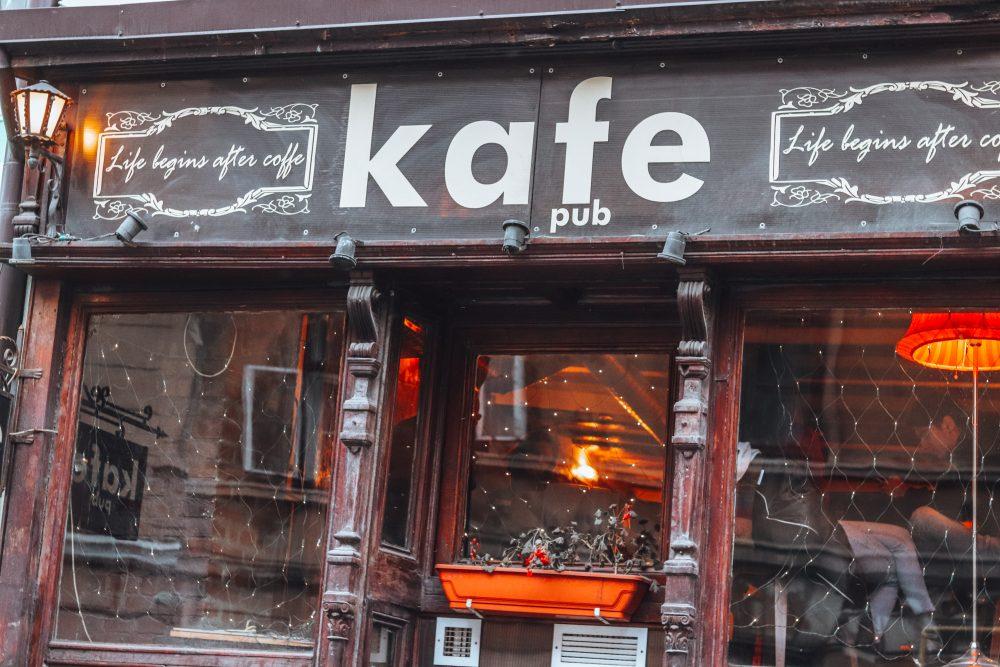 kafe pub brasov romania