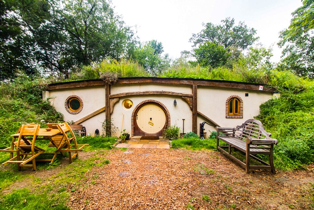 places to stay uk - hobbit hole suffolk