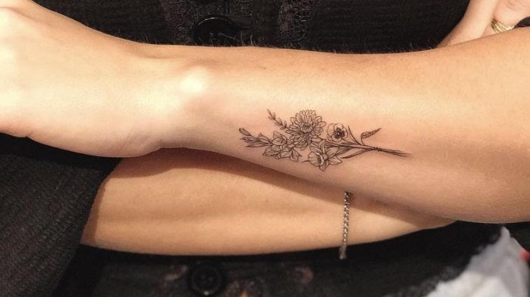 Carla R tattoo artist