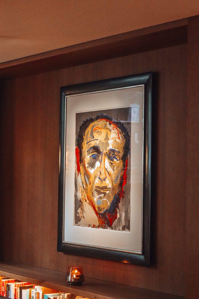ambassade hotel paintings
