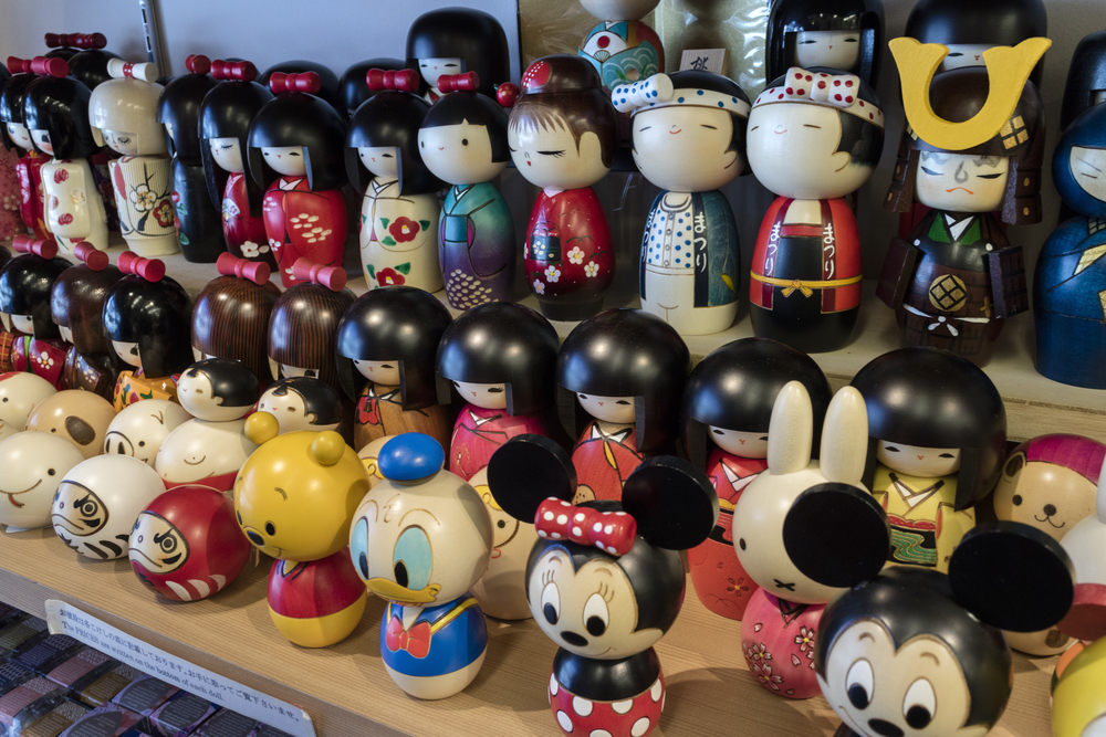 japanese characters as kokeshi dolls