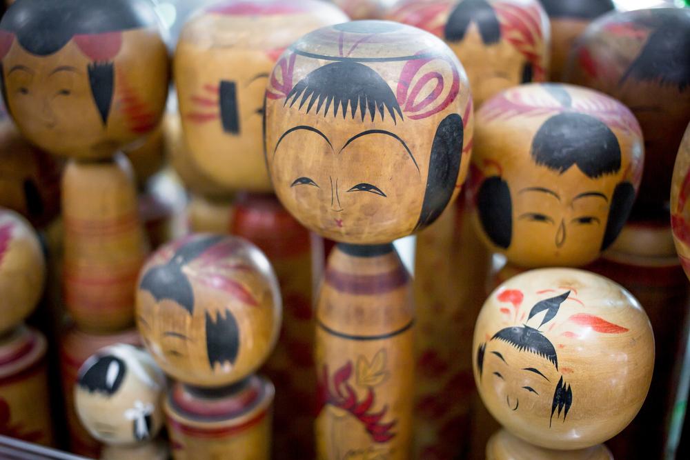 vintage kokeshi dolls japan